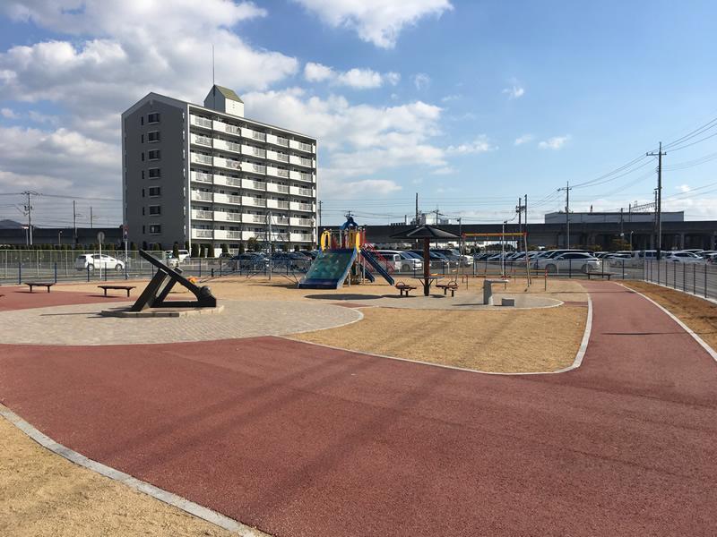 児島駅前第二公園(密粒度脱色アスファルト舗装)