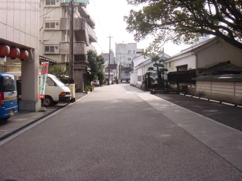 宮崎県都城市牟田(排水性脱色アスファルト舗装)