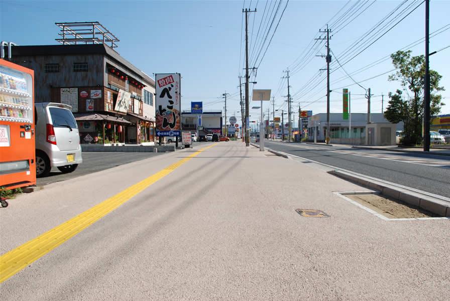 福岡県行橋市西宮地区歩道整備(遮熱性舗装)