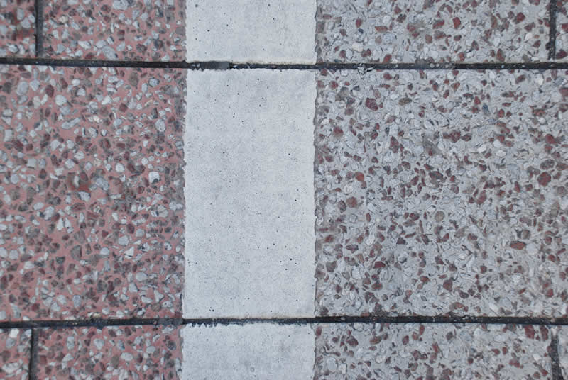 鹿児島県鹿児島市天文館公園周辺街路(半たわみ性舗装)