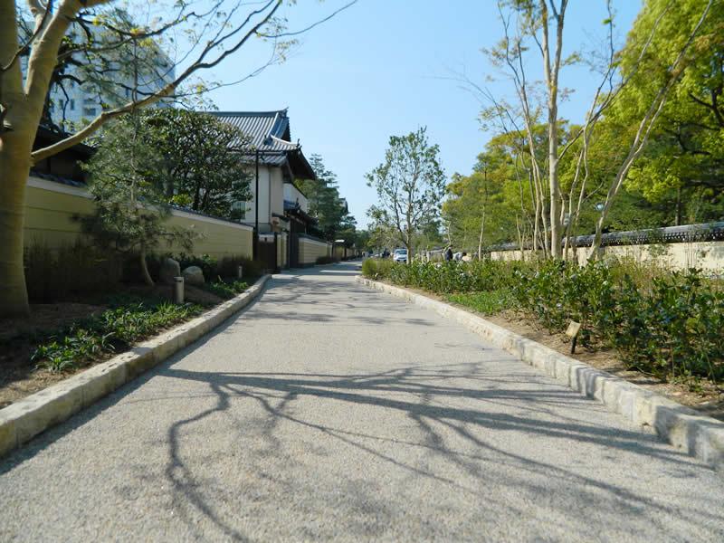福岡市博多区承天寺通り(ポーラスコンクリート舗装)