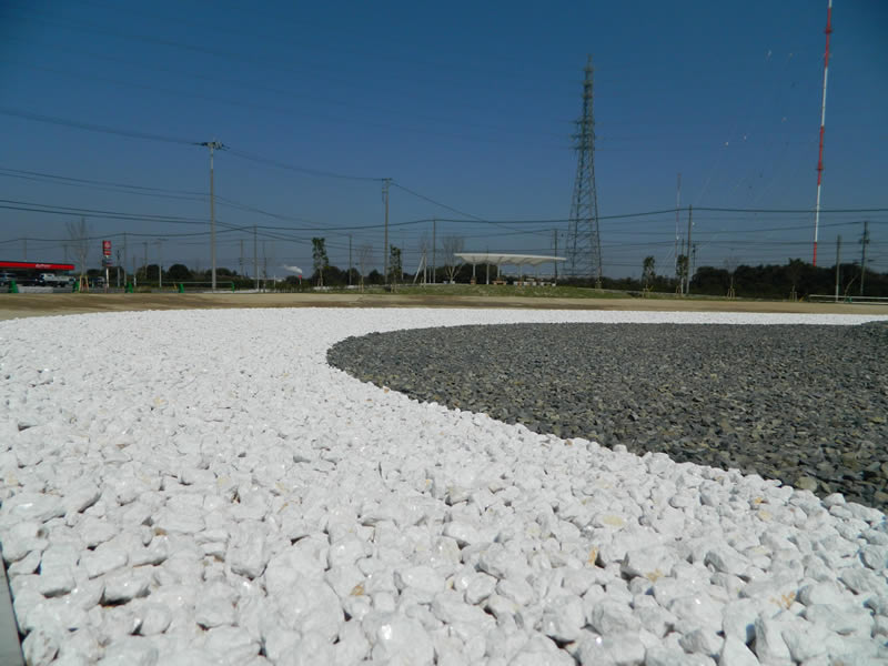 響灘東地区南緑地整備(敷き砂利)