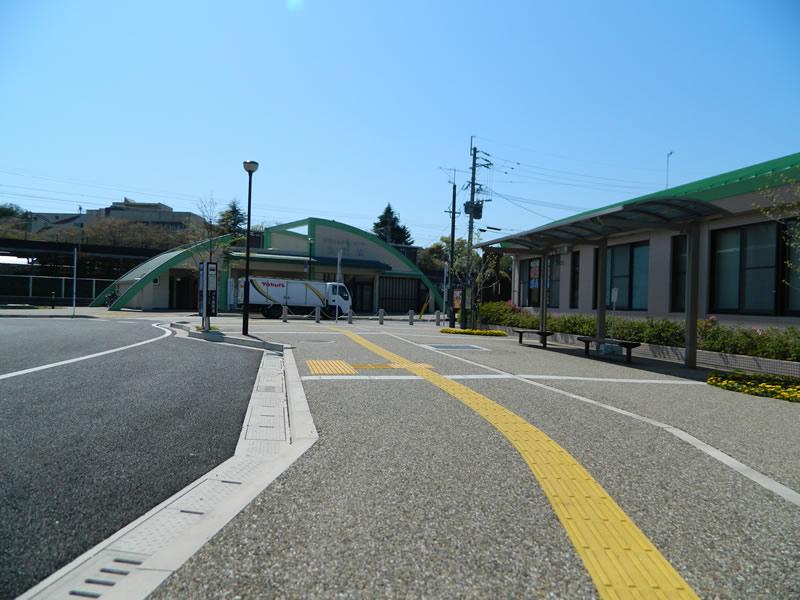 吉富駅周辺整備(透水性脱色アスファルト舗装/密粒度ギャップ脱色アスファルト舗装)