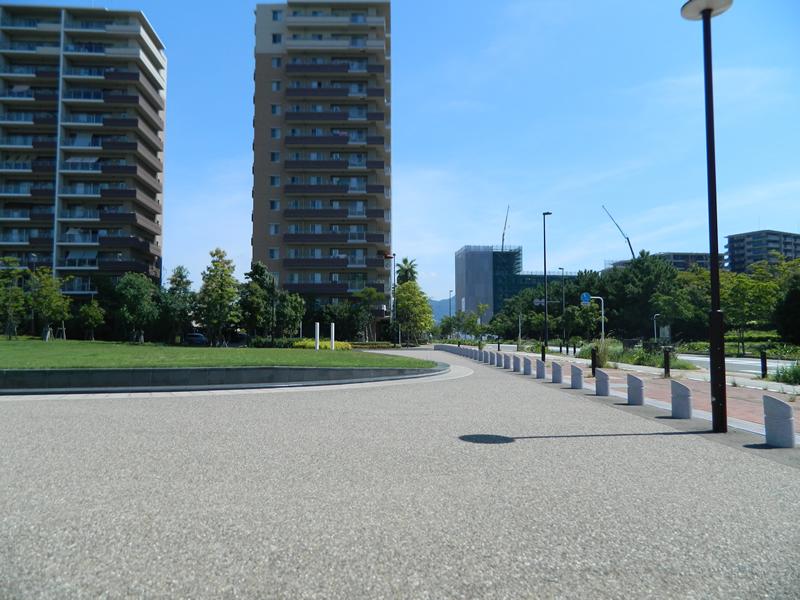 アイランドシティ地区公園(透水性脱色アスファルト舗装)