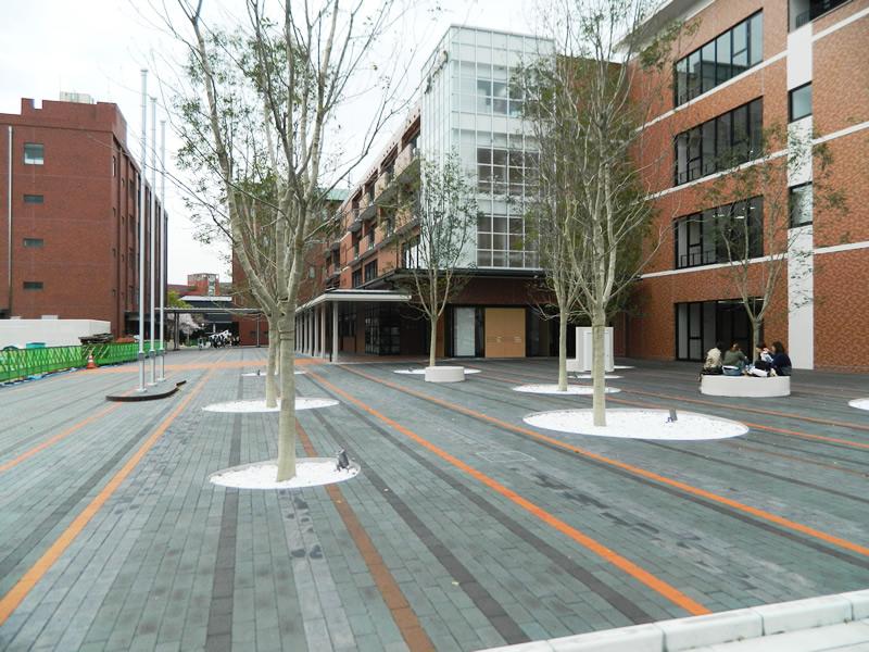 九州女子大学(敷き砂利)