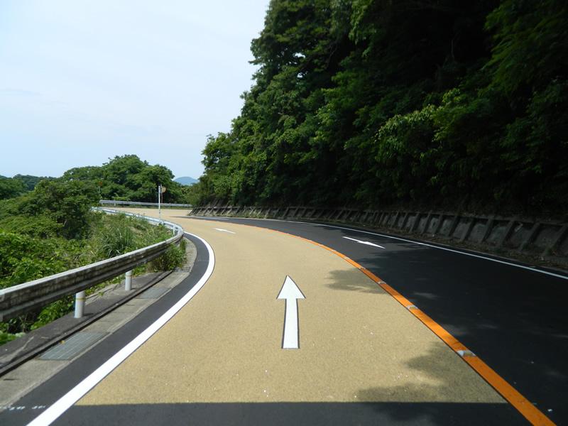 福岡県宮若市 見坂峠(薄層カラー舗装)