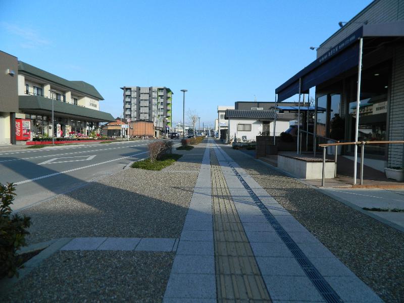 熊本市北区植木町(透水性脱色アスファルト舗装)